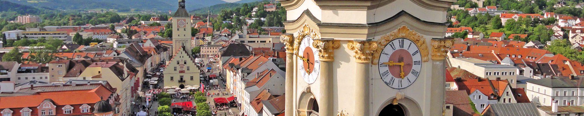deggendorf-innenstadt-mit-altem-rathaus