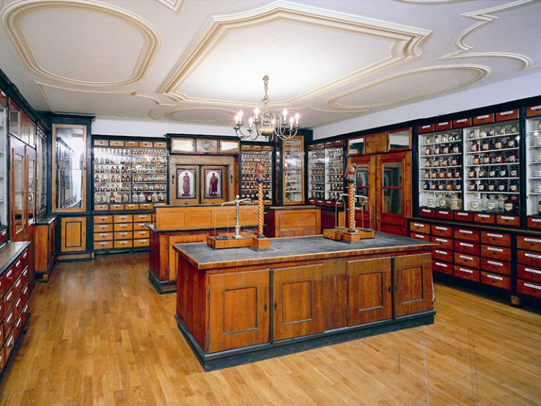 Sellsche Apotheke im Stadtmuseum Deggendorf